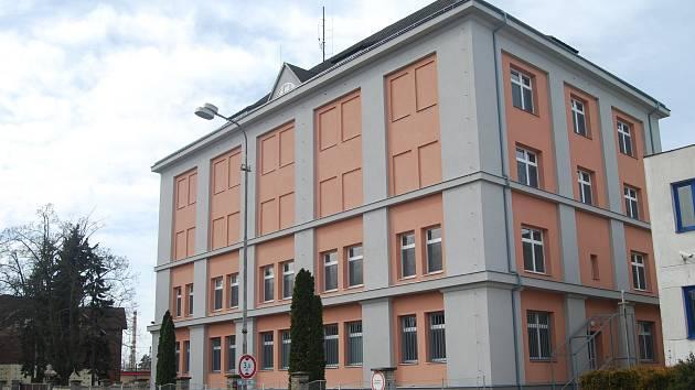Objekt bývalé školy na nábřeží Edvarda Beneše prošel rekonstrukcí a přesune se sem významná část muzejních sbírek.