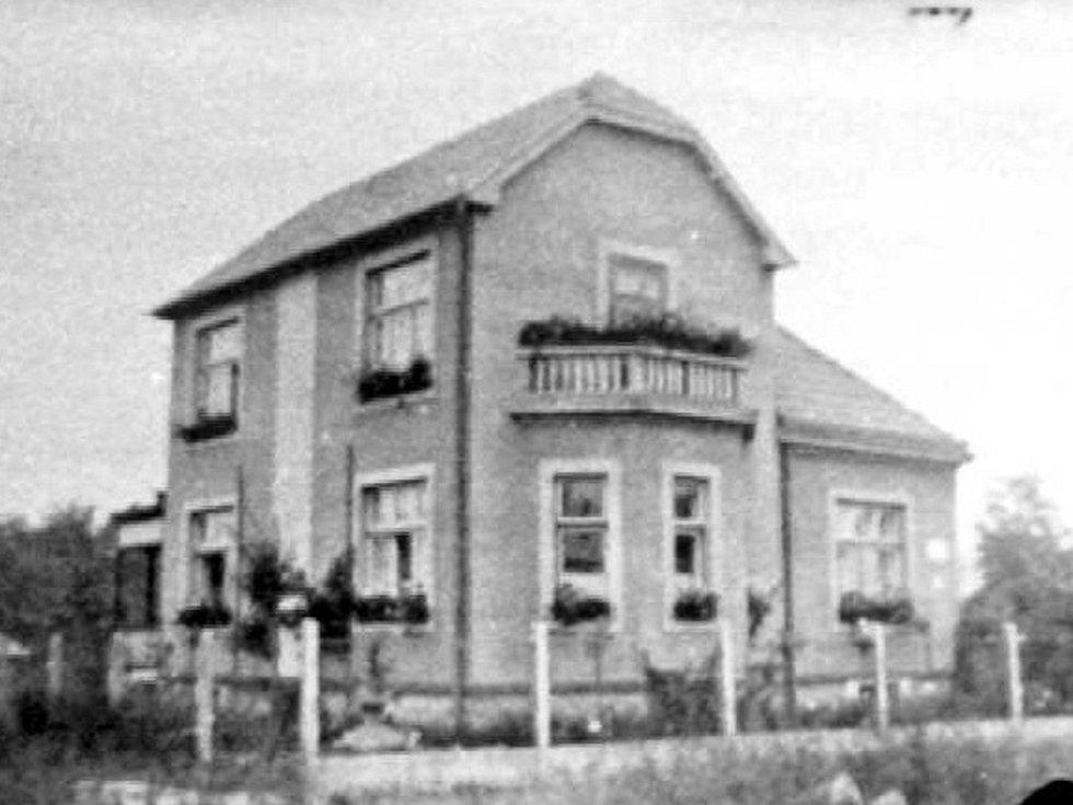 Tak vypadal dříve rodinný dům ve Štefánikově ulici v Přerově, kde žil v mládí Josef Kainar