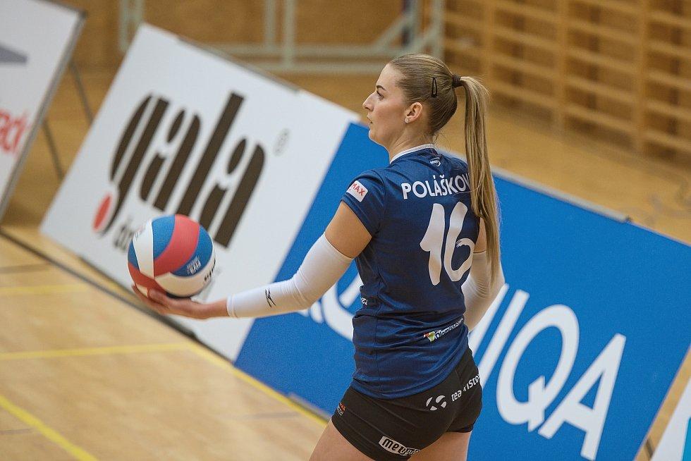 Volejbalistky Šternberku (v oranžovém) doma nestačily na Přerov. Lucie Polášková