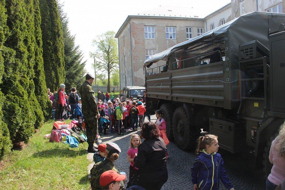 Dukelské kasárny v Lipníku nad Bečvou otevřely v rámci výročí osvobození své brány veřejnosti