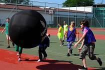 Sportovní souboj mezi jednotlivými třídami si ve středu vyzkoušeli žáci ze Základní školy Svisle v Přerově