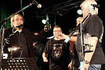 Přerovská kapela Šediváci slavila v sobotu 1. listopadu v klubu Teplo
