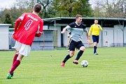 Fotbalisté Želatovic (v šedém) proti TJ Medlov