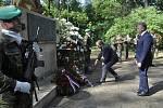 Pieta za oběti Přerovského povstání u památníku v olomoucké části Lazce