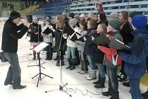 Generálka Dětského pěveckého sboru Vocantes na zimním stadionu v Přerov před akcí Česko zpívá koledy