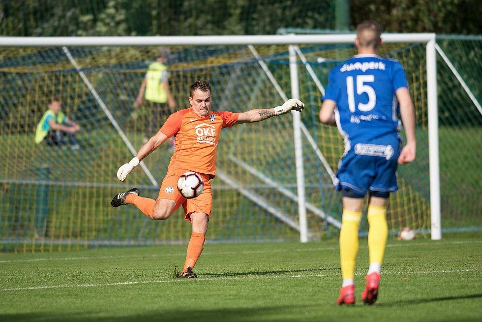 Fotbalisté Kozlovic (ve žlutém) proti Šumperku. Jiří Zbořil