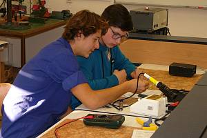 V Lipníku uspořádali soutěž budoucích informatiků a elektrikářů