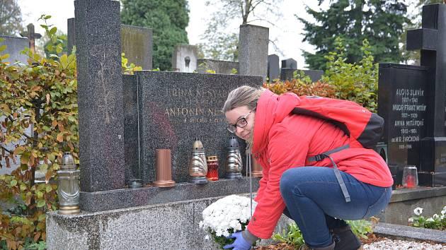 Dušičky v Přerově se blíží, spousta lidí míří na hřbitov