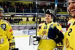 Lukáš Klimeš (uprostřed). Hokejisté Přerova na domácím ledě porazili Litoměřice 3:1