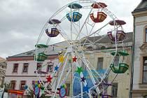 Svatovavřinecké hody: ruské kolo a další zábavné atrace pro děti se nacházejí na přerovském náměstí TGM
