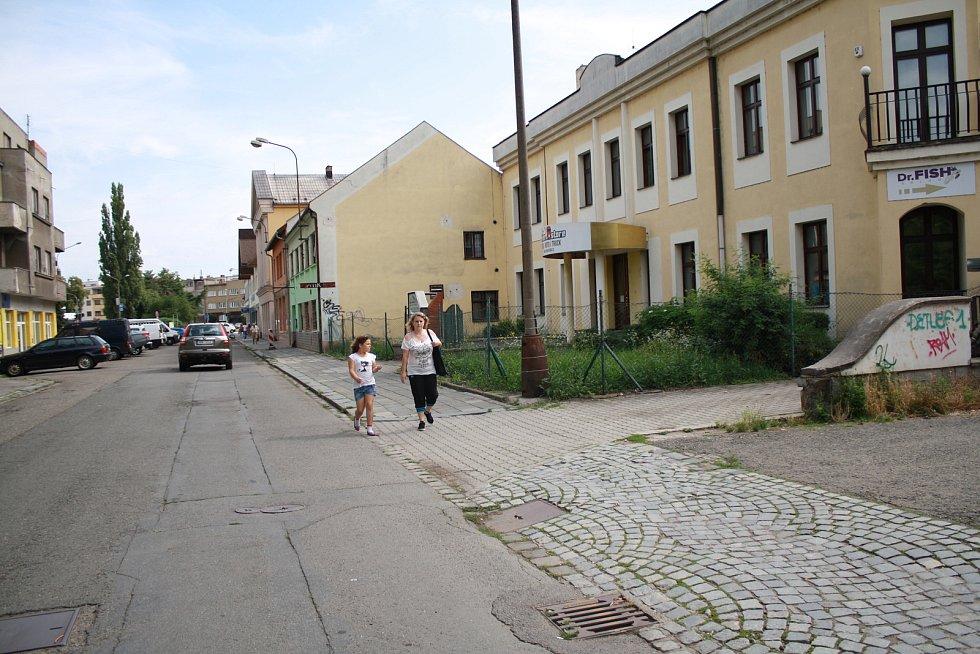 Škodova ulice bude vtěsném sousedství průpichu. Před domem číslo 11 se ve čtvrtek 27. července sejdou odborníci, kteří se chtějí zapojit do soutěže o návrh.