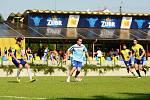 Benefiční utkání fotbalistů Kozlovic (ve světle modré) a hokejistů HC Zubr Přerov