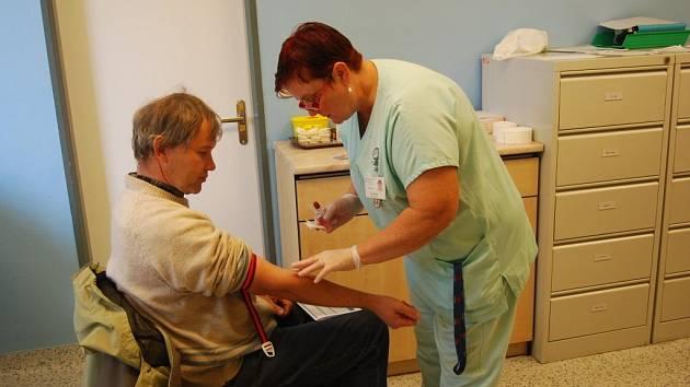Neurologické oddělení přerovské nemocnice pořádalo v úterý Den prevence cévní mozkové příhody. Navštívit jej mohla široká veřejnost.