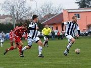 Fotbalisté Želatovic (v bílé) proti Ústí