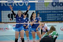 Volejbalistky Přerova (v modrém) doma proti KP Brno