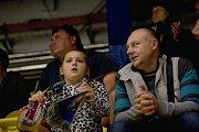 Hokejisté Přerova (v modrém) proti Frýdku-Místku