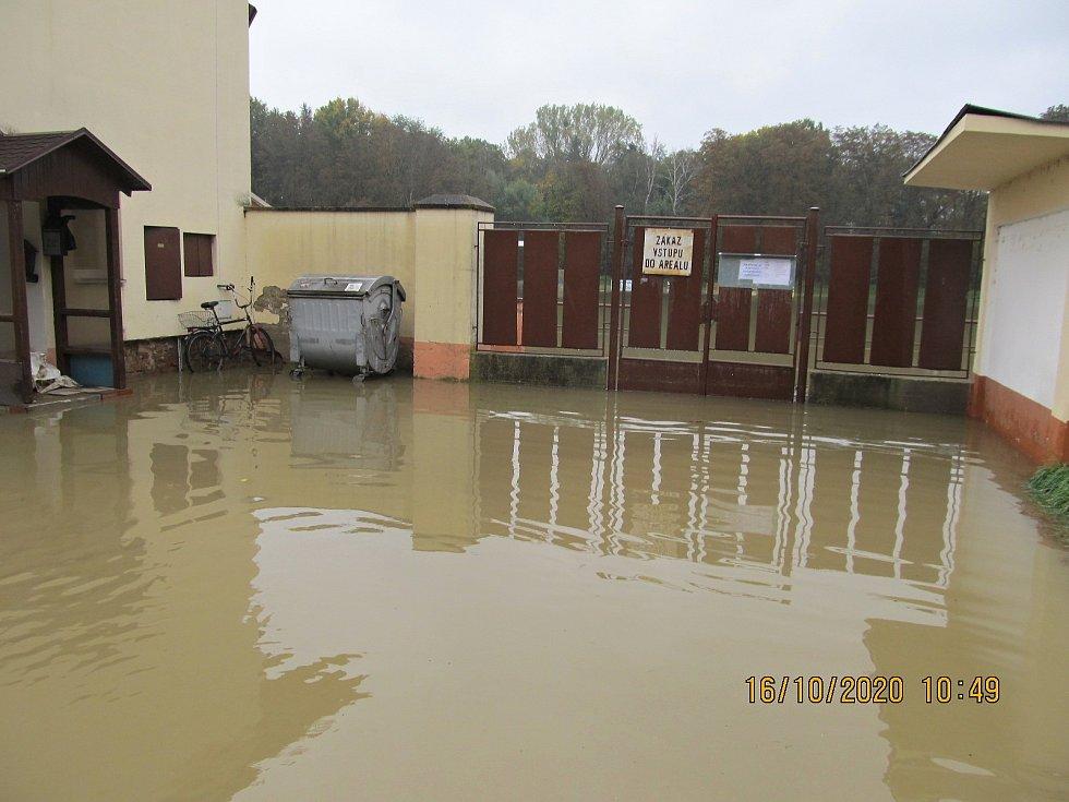 Kojetín 16.10. 2020. Záplavy pomalu ustupují