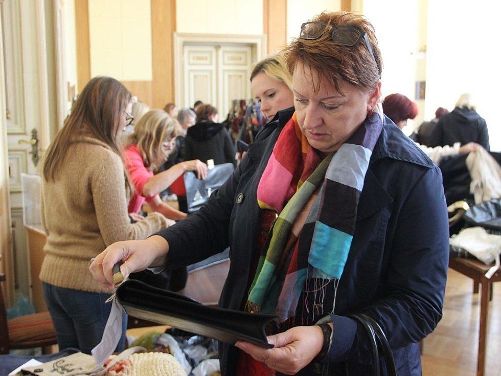 Kabelkový veletrh, který se konal ve středu v malém sále Městského domu v Přerově, přitáhl davy lidí.