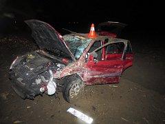Nehoda dvou aut mezi Troubkami a Henčlovem.