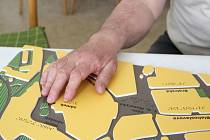 Reliéfní mapy Přerova pomáhají nevidomým