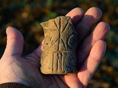 Archeologové našli v Lipníku unikátní plastiku z období neolitu.
