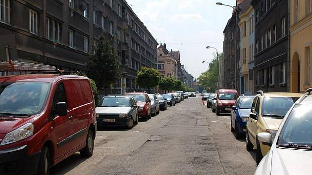 Parkování v Jaselské ulici