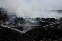 Požár silážní jámy s uskladněným biologickým materiálem v Polkovicích na Přerovsku, 16. 7. 2021