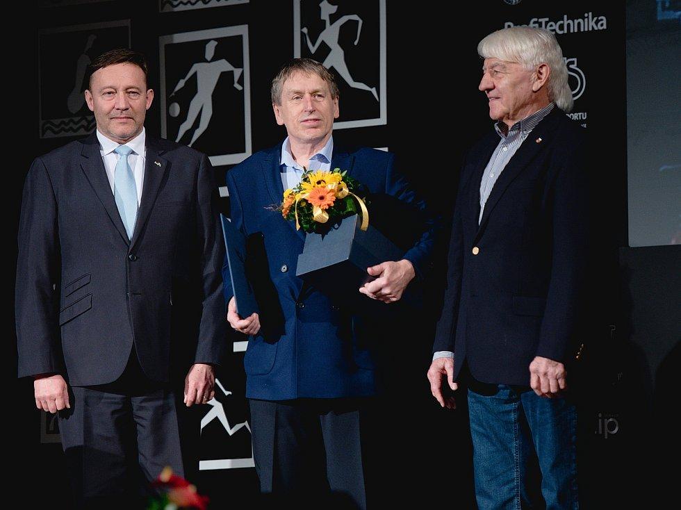 Vyhlášení Sportovce Olomouckého kraje za rok 2019 v Městském domě v Přerově.  Jiří Teplý (uprostřed), Čestná cena