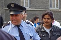 Setkání policistů a sociálních agentur s přerovskými Romy v týdnu před pochodem radikálů městem