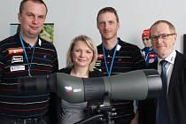 Zástupci firmy Meopta a Českého svazu biatlonu se sešli v pondělí v Přerově, aby ukázali dalekohled MeoStar S2