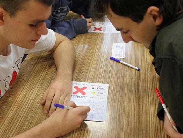 Studenti Střední průmyslové školy v Přerově jsou krajskými vítězi soutěže v piškvorkách