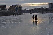 Bruslení na zamrzlé Bečvě v Přerově 5. března 2018
