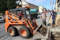 V Přerově se naplno rozběhly práce na opravě vodovodního řadu v Komenského ulici.