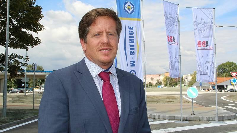 Generální ředitel ŘSD Radek Mátl na slavnostním otevření křižovatky u Lidlu v Předmostí.