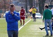 Fotbalisté Kozlovic (v bílém) v generálce na divizní jaro přehráli Ústí 3:0. Roman Matějka
