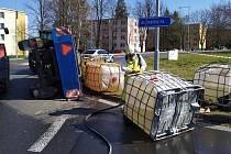 Nehoda vlečky s hnojivem v Želatovské ulici v Přerově