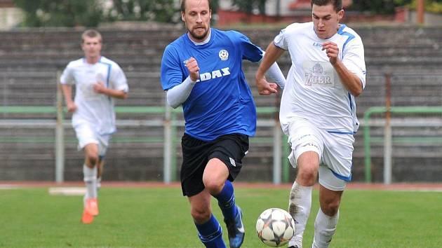 Přerovští fotbalisté (v bílém) proti Žďáru
