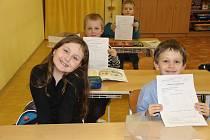 Své pololetní vysvědčení dostaly v úterý také děti ze Základní školy Trávník v Přerově.