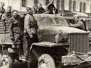 Eva Budníková – dcera jedné z obětí Přerovského povstání – Jana Švehláka, který byl zatčen, protože byl velitelem četnictva.