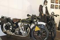 Výstava historických motocyklů v Galerii Konírna v Lipníku