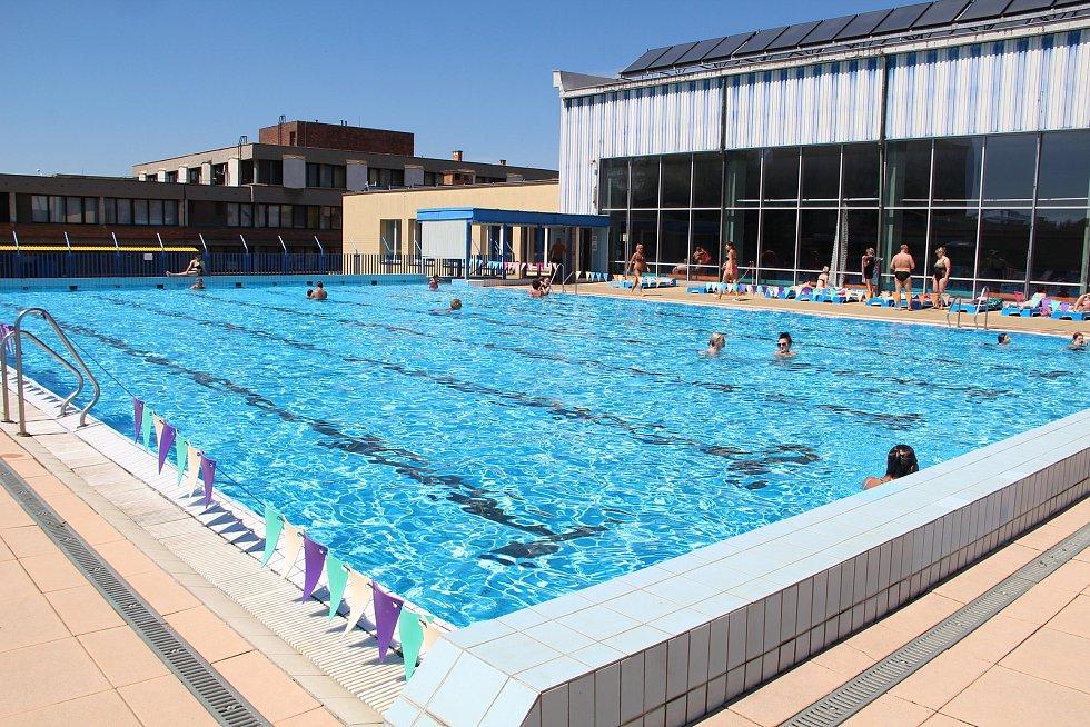 Přerovský venkovní bazén v létě 2020