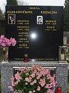 Hrob rodiny Zahradníčkovy na Městském hřbitově v Přerově, ve kterém je pochován i Emanuel Zahradníček.