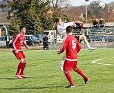Fotbalisté Kozlovic (v bílém) v generálce na divizní jaro přehráli Ústí 3:0.