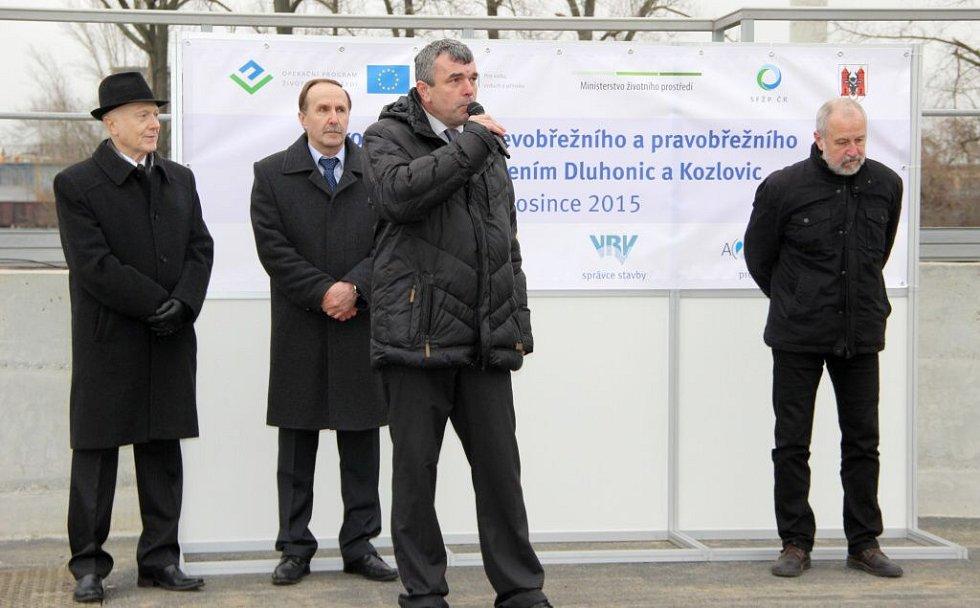 V Přerově, Dluhonicích a Kozlovicích skončila po šestnácti měsících rekonstrukce kanalizace. Celkové náklady se vyšplhaly na 412,8 milionů korun.