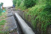 Stavba dešťové kanalizace v zahrádkářské kolonii pod přerovskou nemocnicí