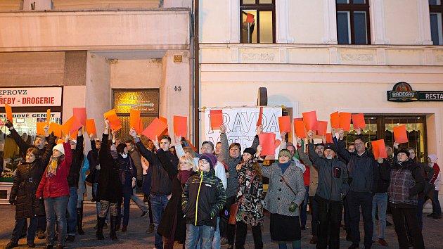 Protest proti prezidentu Zemanovi v Lipníku nad Bečvou