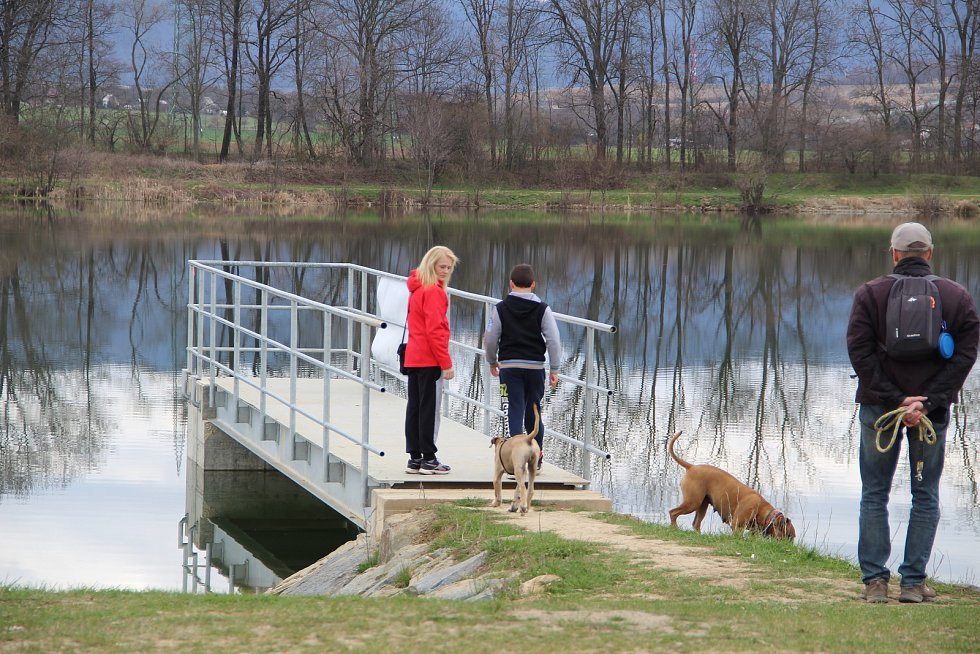 """Osecký """"Jadran"""" se stal oblíbenou zastávkou cyklistů, bruslařů i pěších, kteří vyrazili o velikonočních svátcích do přírody."""