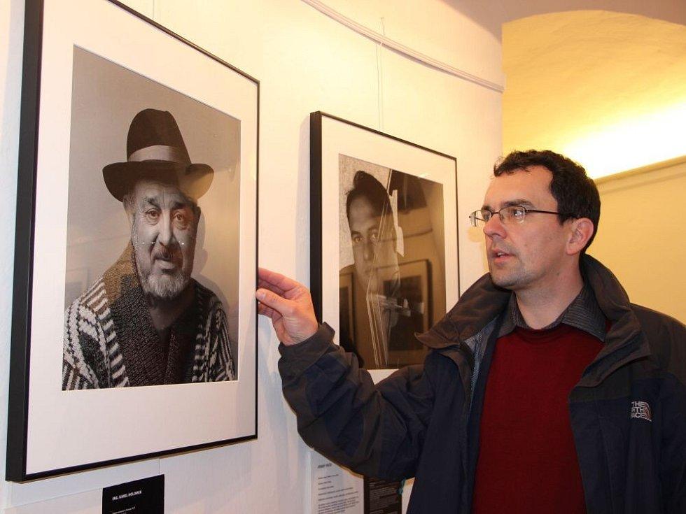 Výstava Romské obrození v prostorách Muzea Komenského v Přerově,