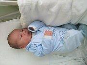 Šimon Hrbek, Radvanice, narozen dne 25. května vPřerově, míra 52 cm, váha 3736 g