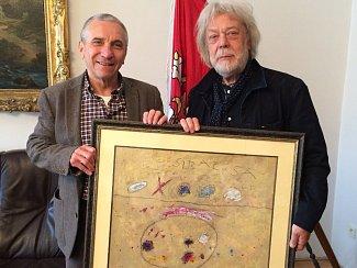 Benefiční akci v Lipníku podpoří také herec, výtvarník a lipenský rodák Jak Kanyza (na snímku vpravo), který zde vydraží svůj obraz.